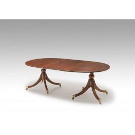 Tavolo a piedistalli